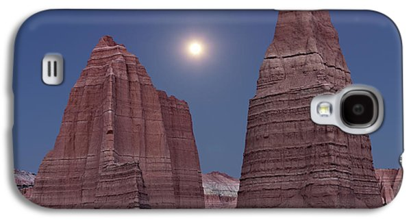 Cathedral Valley Moonrise Galaxy S4 Case by Leland D Howard