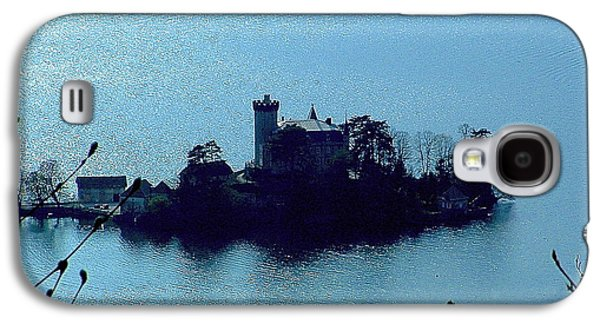 Galaxy S4 Case featuring the photograph Chateau Sur Lac by Marc Philippe Joly