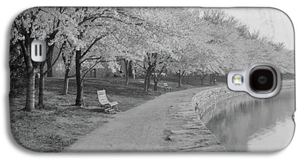 Cherry Blossoms View At Tidal Basin Galaxy S4 Case by Fred Schutz Collection