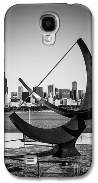 Chicago Adler Planetarium Sundial In Black And White Galaxy S4 Case by Paul Velgos