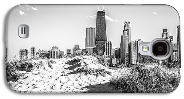 Chicago Beach And Skyline Black And White Photo Galaxy S4 Case by Paul Velgos