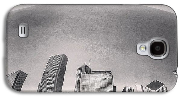 Cloud Gate Chicago Skyline Reflection Galaxy S4 Case