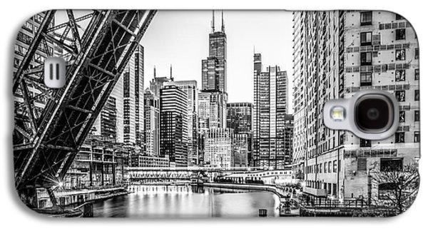 Chicago Kinzie Railroad Bridge Black And White Photo Galaxy S4 Case by Paul Velgos