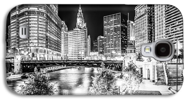 Chicago River Buildings At Night In Black And White Galaxy S4 Case