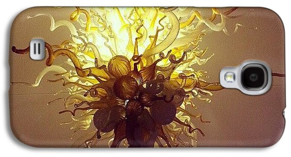 Light Galaxy S4 Case - Chihuly In The Lobby by Jill Tuinier
