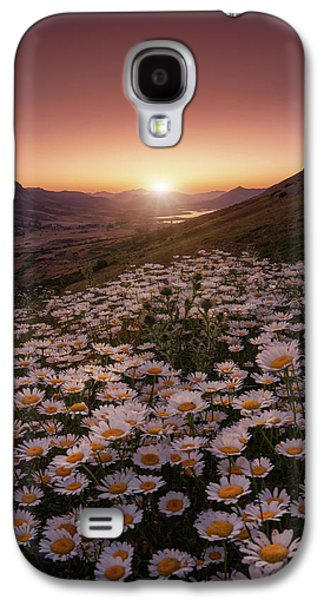 Daisy Galaxy S4 Case - Closer To The Sun by Sergio Abevilla