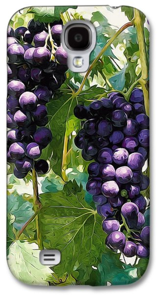 Clusters Of Red Wine Grapes Hanging On The Vine Galaxy S4 Case by Lanjee Chee