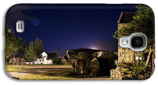 Crucuno Dolmen At Night Galaxy S4 Case by Laurent Laveder