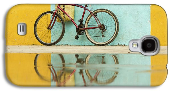 Bicycle Galaxy S4 Case - Cuba, Trinidad Bicycle And Reflection by Brenda Tharp