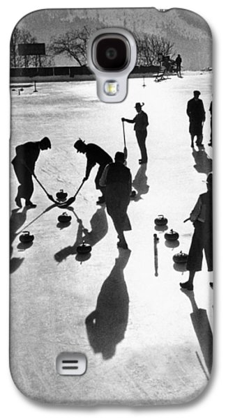 Curling At St. Moritz Galaxy S4 Case by Underwood Archives
