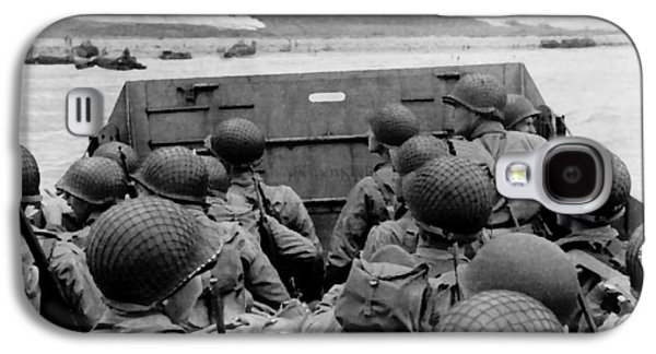 D-day Soldiers In A Higgins Boat  Galaxy S4 Case by War Is Hell Store
