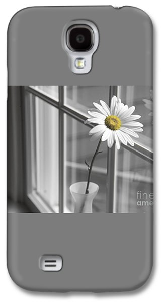 Daisy In The Window Galaxy S4 Case by Diane Diederich