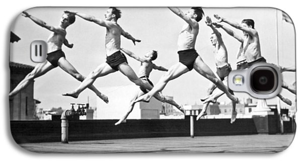 Dancers Practice On A Rooftop. Galaxy S4 Case by Underwood Archives