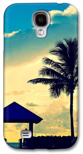 Dawn Beach Pyramid Galaxy S4 Case by Laura Fasulo