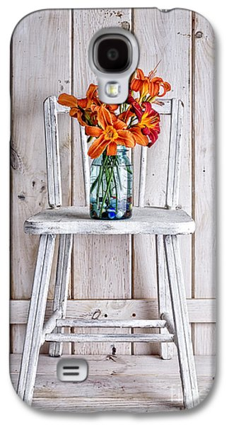 Daylillies On A White Chair Galaxy S4 Case by Edward Fielding