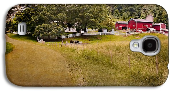 Down On The Farm Galaxy S4 Case by Bill Wakeley