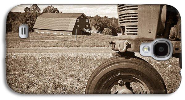 Down On The Farm Galaxy S4 Case by Edward Fielding