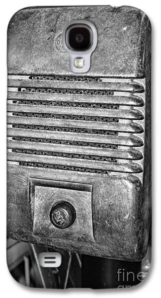 Drive In Movie Speaker In Black And White Galaxy S4 Case by Paul Ward