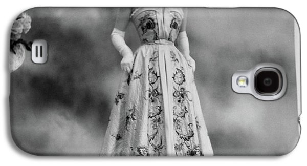 Duchess Of Windsor In A Dior Ball Gown Galaxy S4 Case by Cecil Beaton