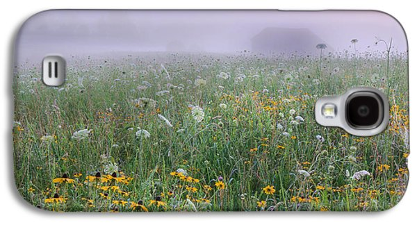 Early Morning Meadow Galaxy S4 Case