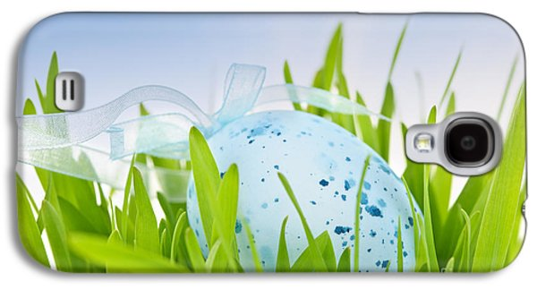 Easter Egg In Grass Galaxy S4 Case by Elena Elisseeva