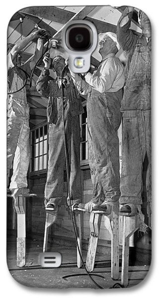 Electricians On Stilts Galaxy S4 Case by Underwood Archives