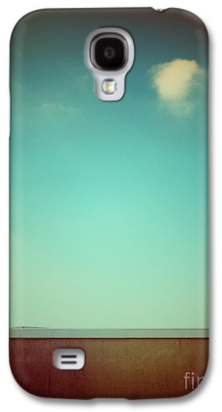 Emptiness With Wall And Cloud Galaxy S4 Case by Silvia Ganora