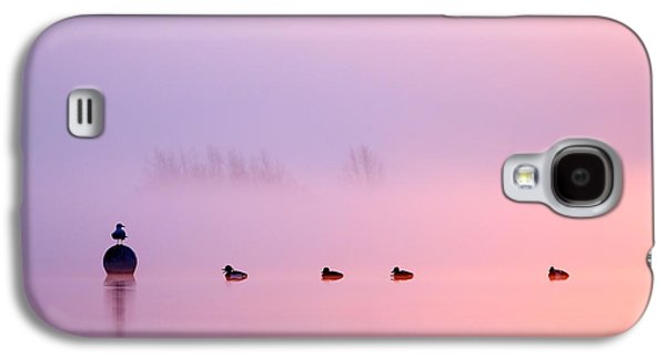 Empty Spaces 2 - Sunrise In The Mist Galaxy S4 Case by Roeselien Raimond