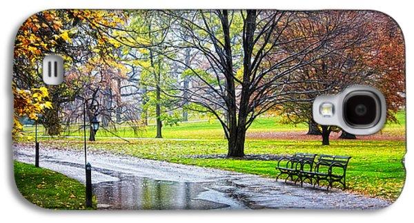 Empty Walkway On A Beautiful Rainy Autumn Day Galaxy S4 Case by Nishanth Gopinathan