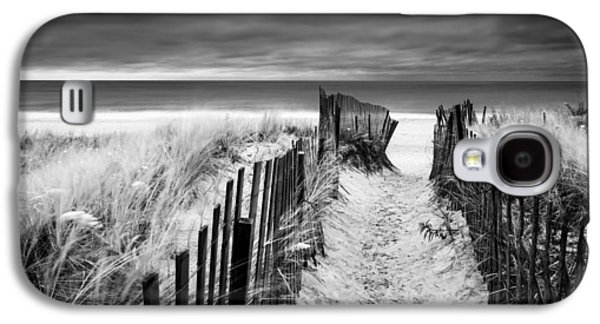 Evening Wave Check Bw Galaxy S4 Case by Ryan Moore
