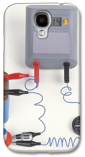 Experiment Showing Electromagnet Effect Galaxy S4 Case by Dorling Kindersley/uig