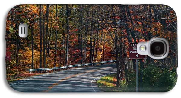 Fall Drive In Tennessee  1 Galaxy S4 Case by EricaMaxine  Price