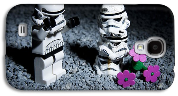 Final Resting Place Galaxy S4 Case - Fallen Friends by Samuel Whitton