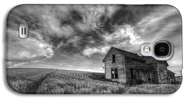 Farmhouse B And W Galaxy S4 Case by Latah Trail Foundation