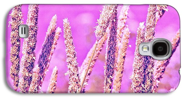 Field Of Grass And Wildflowers Galaxy S4 Case