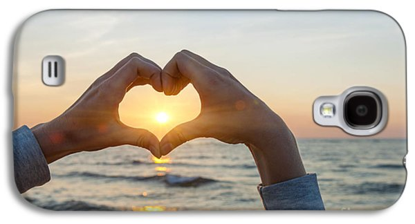 Fingers Heart Framing Ocean Sunset Galaxy S4 Case by Elena Elisseeva