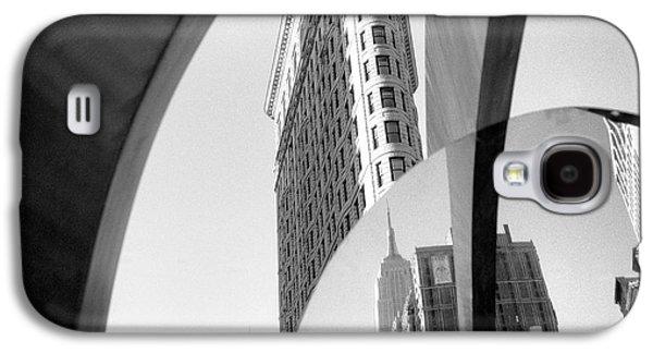 Galaxy S4 Case featuring the photograph Flat Iron Building Empire State Mirror by Dave Beckerman