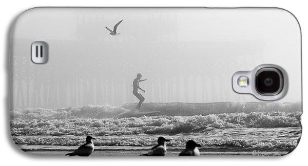 Folly Beach Pier Foggy Day Surf Galaxy S4 Case by Dustin K Ryan