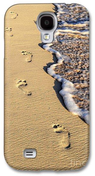Beach Galaxy S4 Case - Footprints On Beach by Elena Elisseeva