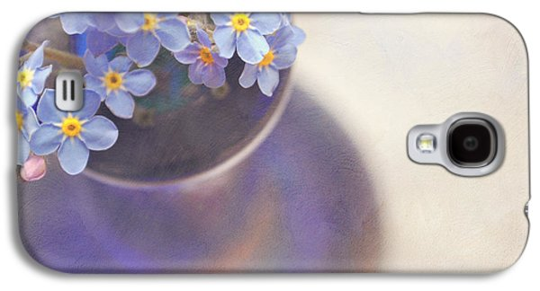 Forget Me Nots In Blue Vase Galaxy S4 Case by Lyn Randle