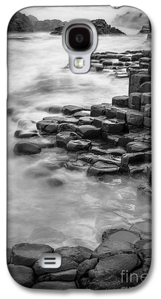 Giant's Causeway Waves  Galaxy S4 Case by Inge Johnsson