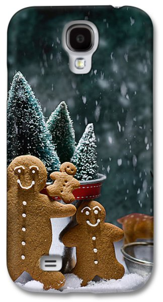 Gingerbread Family In Snow Galaxy S4 Case by Amanda Elwell