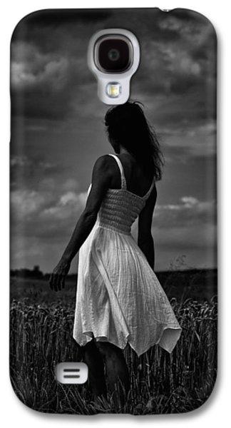 Girl In The Grain Field Galaxy S4 Case