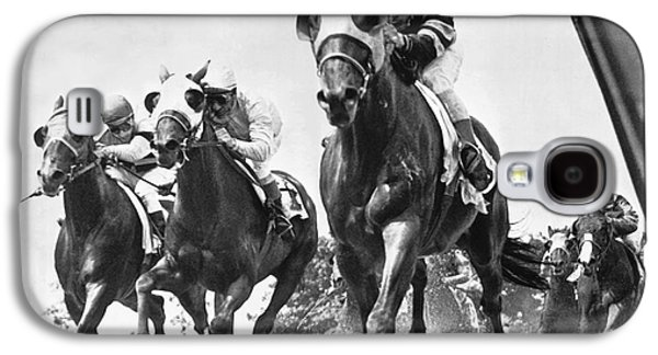 Horse Galaxy S4 Case - Horse Racing At Belmont Park by Underwood Archives