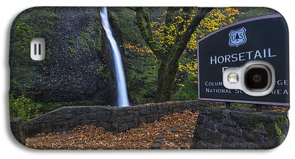Horsetail Falls With Sign Galaxy S4 Case