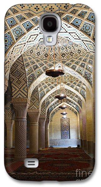 Interior Of The Winter Prayer Hall Of The Nazir Ul Mulk Mosque At Shiraz In Iran Galaxy S4 Case by Robert Preston