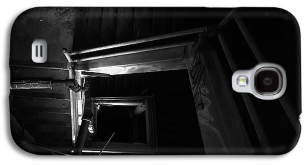 Into The Abyss - Bw Galaxy S4 Case by James Aiken