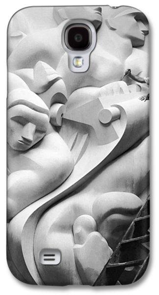 Stainless Steel Galaxy S4 Case - Isamu Noguchi Working by Underwood Archives