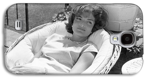 Jacqueline Kennedy Relaxing At Hyannis Port 1959. Galaxy S4 Case