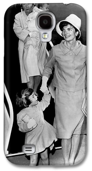 Jacqueline Kennedy With Child Galaxy S4 Case by Underwood Archives